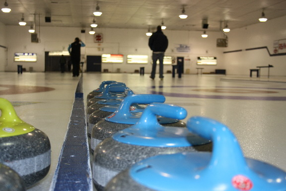 http://www.thevalleyvoice.ca/story%20photographs/November%202011/Chilliwack%20BC%20Ladies%20curling.JPG