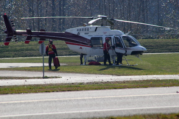 https://www.thevalleyvoice.ca/story%20photographs/October%202013/Chilliwack%20Search%20and%20Rescue%202013%20SARScene%20-%20October-30-2013/SAR-Bell-407-helicopter.JPG